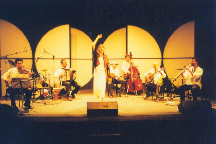 Butterfly-Bazar_Carla-Peirolero-e-Orchestra-Bailam_slider1