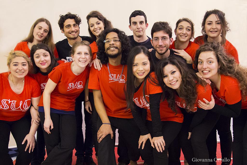 Gli studenti del laboratorio teatrale del Suq Festival